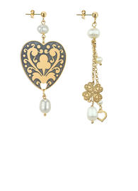 small-heart-and-short-tuft-fourleaf-clover-pearl-earrings