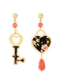 mini-faceted-pink-heart-and-key-earrings