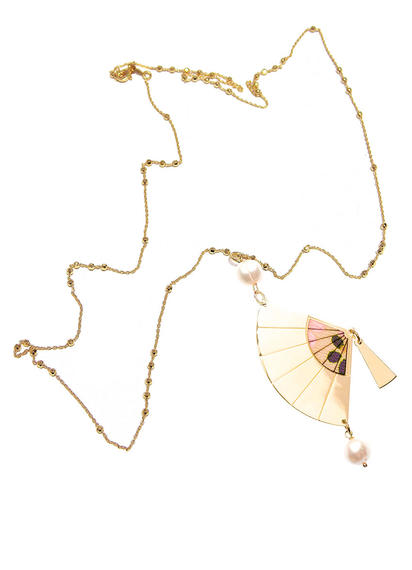 silver-and-silk--pearl-fan-necklace
