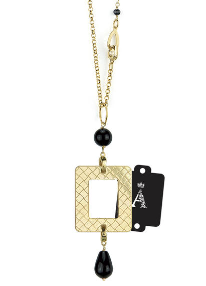 my-frame-black-alphabet-necklace