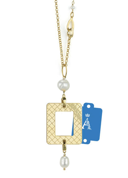 my-frame-blue-alphabet-pearl-necklace