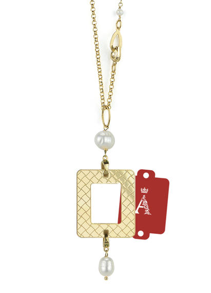 my-frame-red-alphabet-pearl-necklace