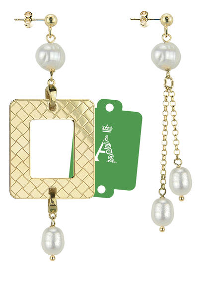 my-frame-green-alphabet-pearl-earrings