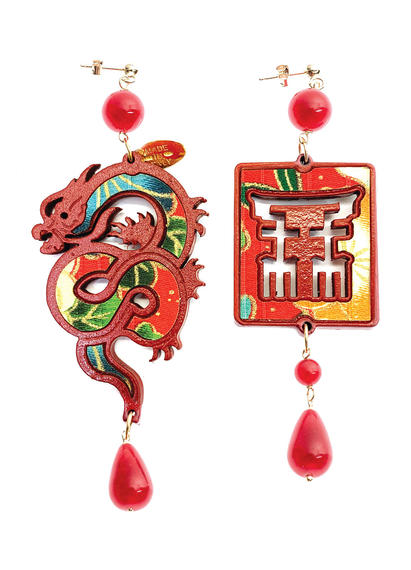 silk-earrings-with-dragon-and-small-red-lacquer-4352