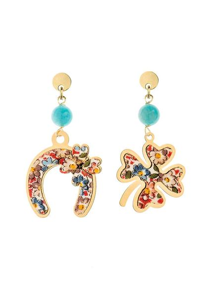 fourleaf-clover-and-mini-skyblue-horseshoe-earrings