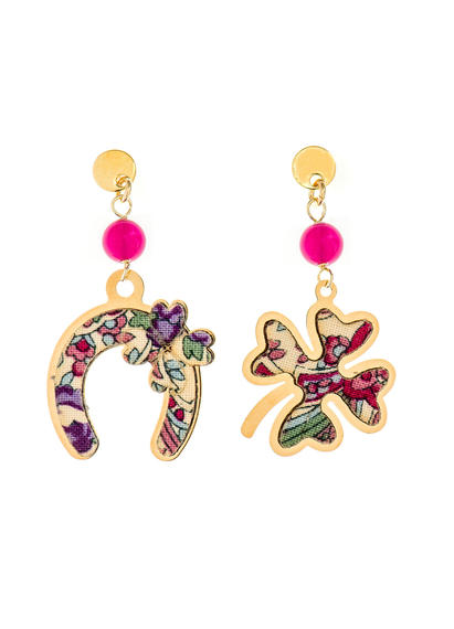fourleaf-clover-and-mini-fuchsia-horseshoe-earrings
