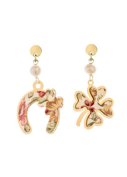 fourleaf-clover-and-mini-pearl-horseshoe-earrings
