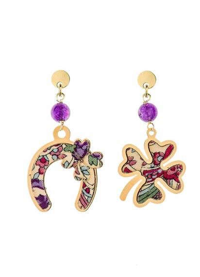 fourleaf-clover-and-mini-violet-horseshoe-earrings