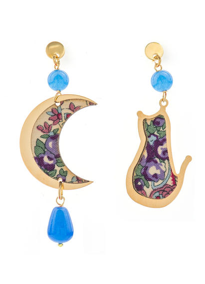mini-light-blue-cat-and-moon-earrings
