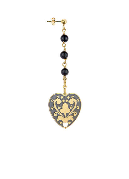 small-single-gothic-earrings-with-stones-and-heart